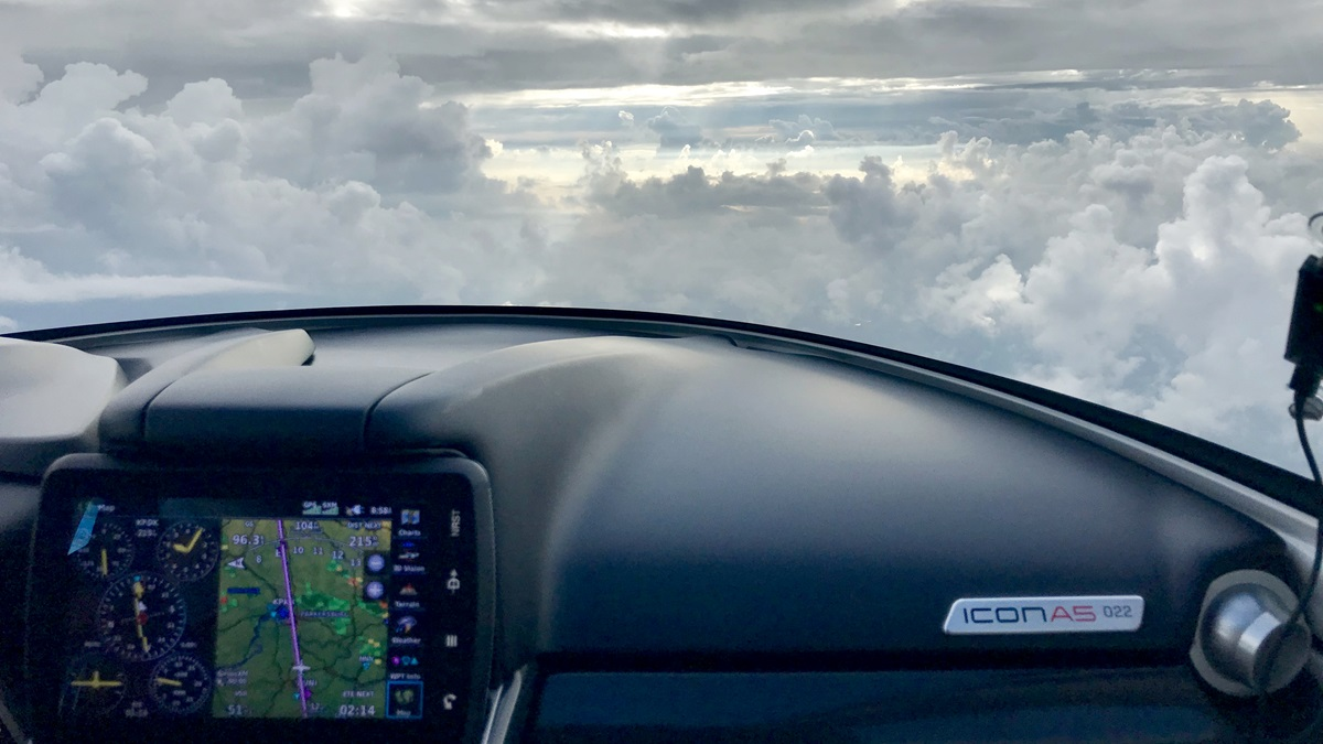 Flying the ICON A5