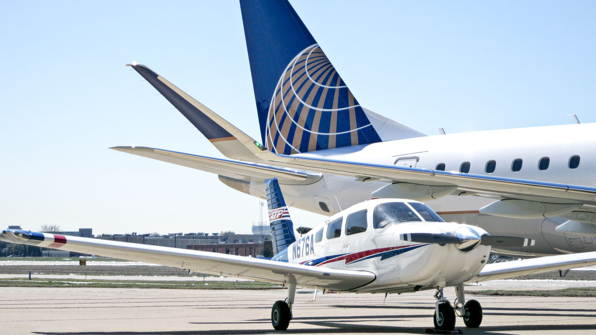 United Airlines digs into training market