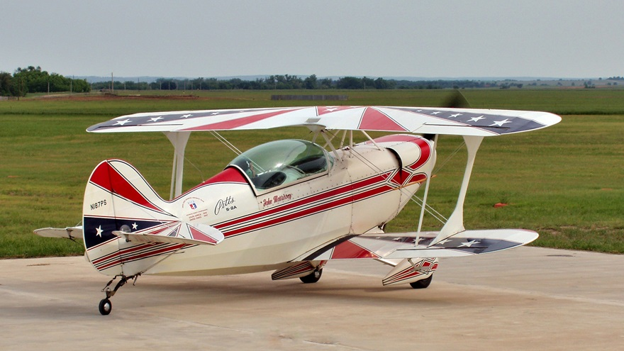 John Morrissey received a letter of agreement to operate his Pitts S-2A from East Kansas City Airport without a transponder or ADS-B Out, even though the airport is within the Kansas City International Mode C veil. Photo courtesy of John Morrissey.