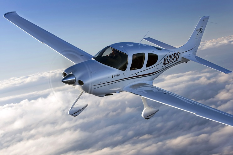 A Cirrus SR20 GTS in flight. Photo by Chris Rose.