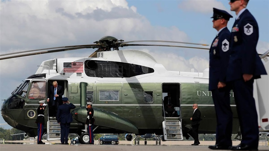 President Donald Trump arrives on the Marine One helicopter to board Air Force One for travel to Indiana from Joint Base Andrews, Maryland, Sept. 27, 2017. Photo by Jonathan Ernst, REUTERS.