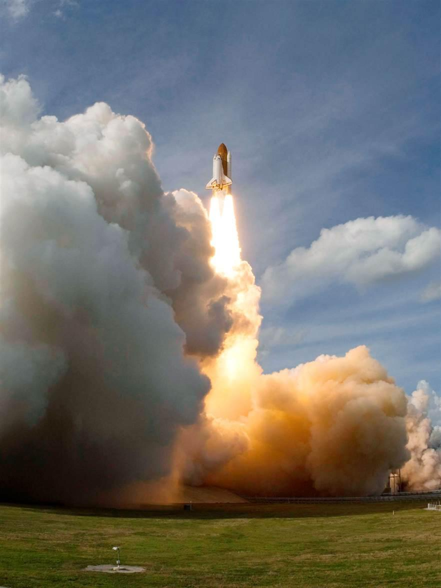 Launch of space shuttle Atlantis STS-122. Photo courtesy of NASA.