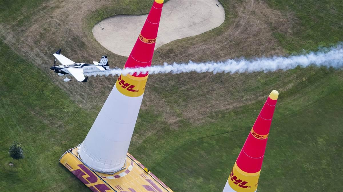 Michael Goulian of the United States performs during the finals at the fifth stage of the Red Bull Air Race World Championship in Ascot, Great Britain on August 14. Photo by Predrag Vuckovic/Red Bull Content Pool