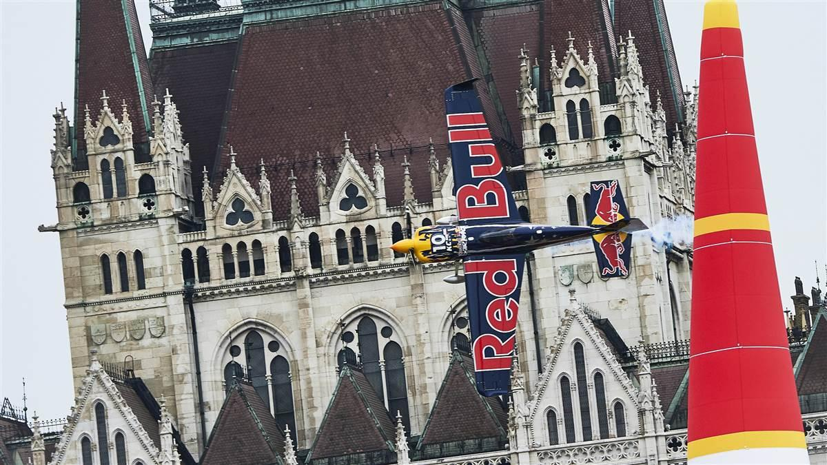 Kirby Chambliss performs during the fourth stage of the Red Bull Air Race World Championship in Budapest, Hungary, July 17, 2016. Photo by Armin Walcher/Red Bull Content Pool.