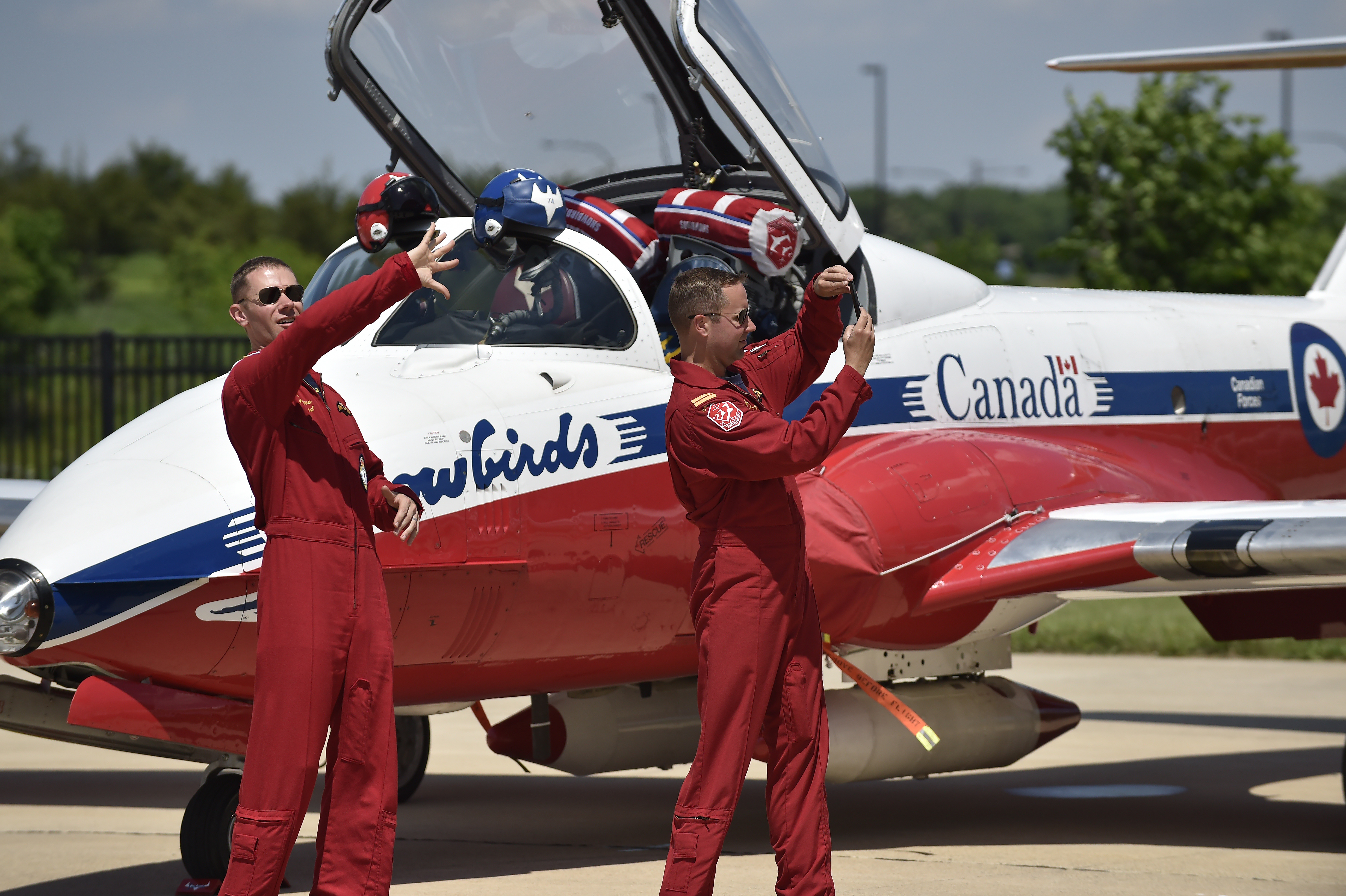 Snowbird pilots take photos after taxiing to the nearby Steven F. Udvar-Hazy Center ramp for an open house. Photo by David Tulis.