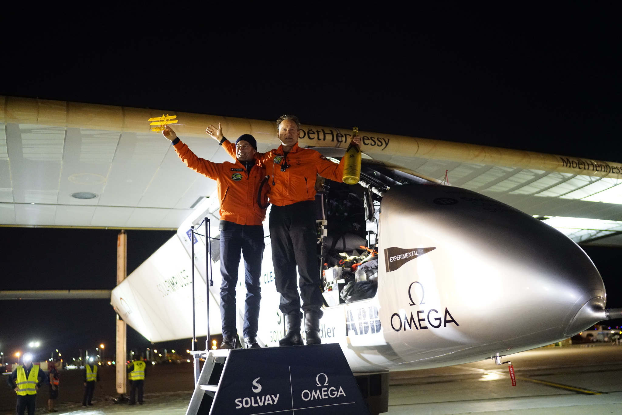 Bertrand Piccard greets André Borschberg in Dayton, Ohio, May 21. Photo courtesy of Solar Impulse.