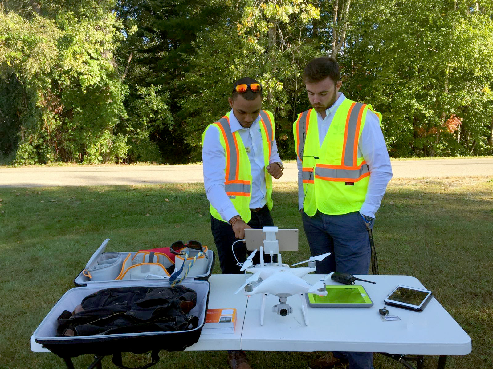 PistonFly's Miguel del Rosario, an aviation maintenance specialist, and partner Chris Desmond, a CFII and a videographer, prepare for a drone video flight. Photo courtesy of PistonFly.