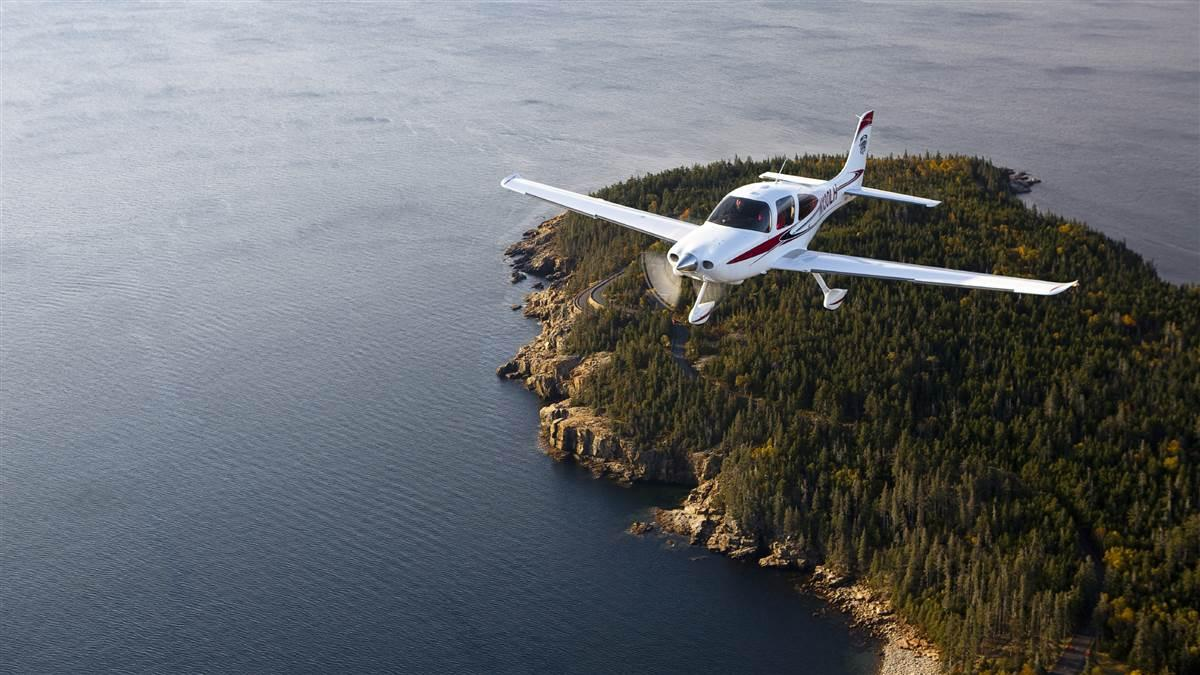 AOPA continues to stand against the construction of a second oyster farm within two miles of Maine's Hancock County-Bar Harbor Airport. Photo by Christopher Rose.