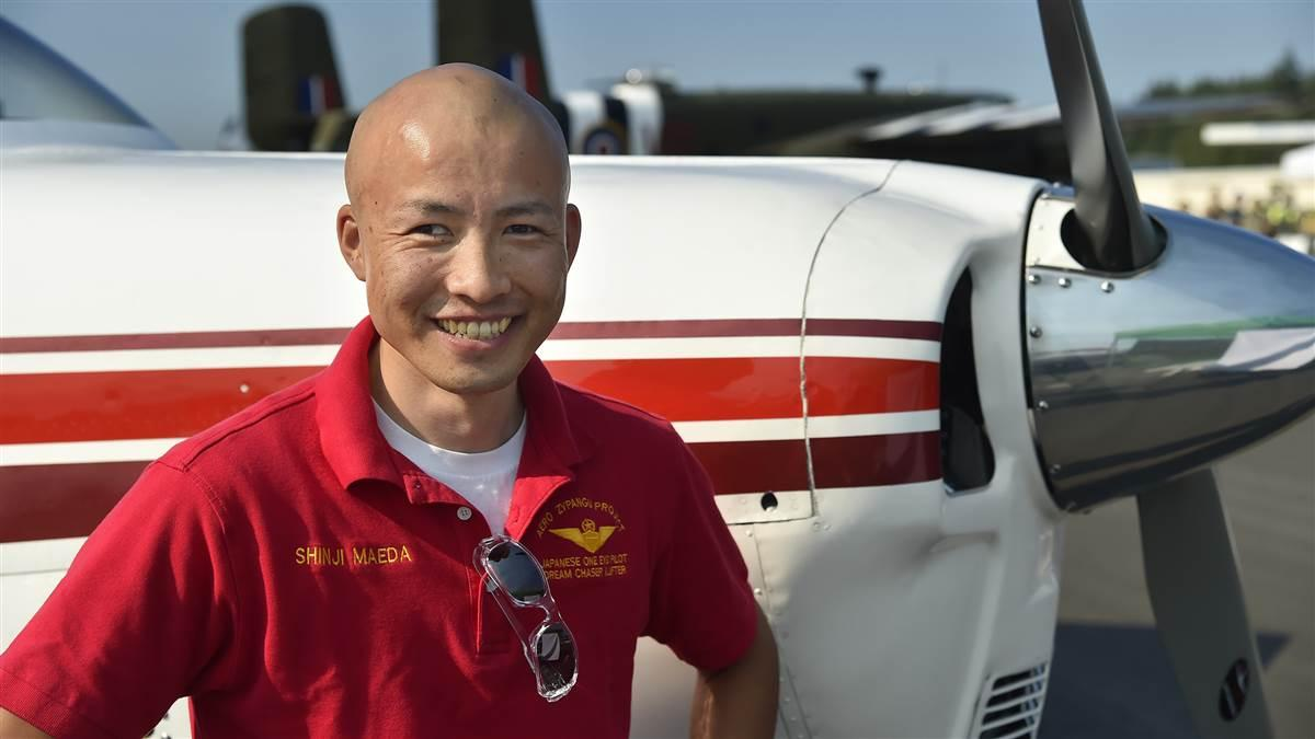 Inspirational speaker and pilot Shinji Maeda, who lost half his eyesight after a motor vehicle crash, visits the AOPA Fly-In at Bremerton, Washington. Photo by David Tulis.