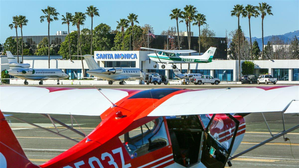 Santa Monica Municipal Airport is a busy Los Angeles International Airport reliever field, and it recently hosted a Disaster Airlift Response Team exercise. Photo by Roxanne Schorbach at Schorbach.com. Photo courtesy of Roxanne Schorbach.