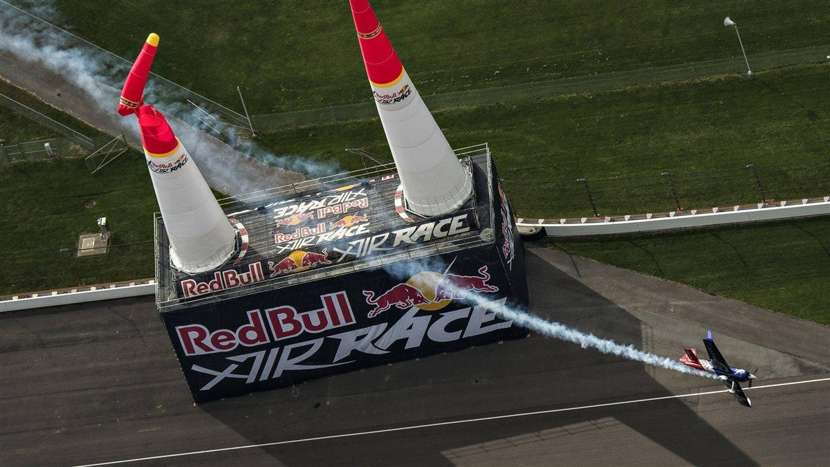 Matt Hall of Australia performs during the Red Bull Air Race World Championship race at Indianapolis Motor Speedway in October 2016. Hall will have a brand-new mount for 2017. Photo by Mihai Stetcu/Red Bull Content Pool.
