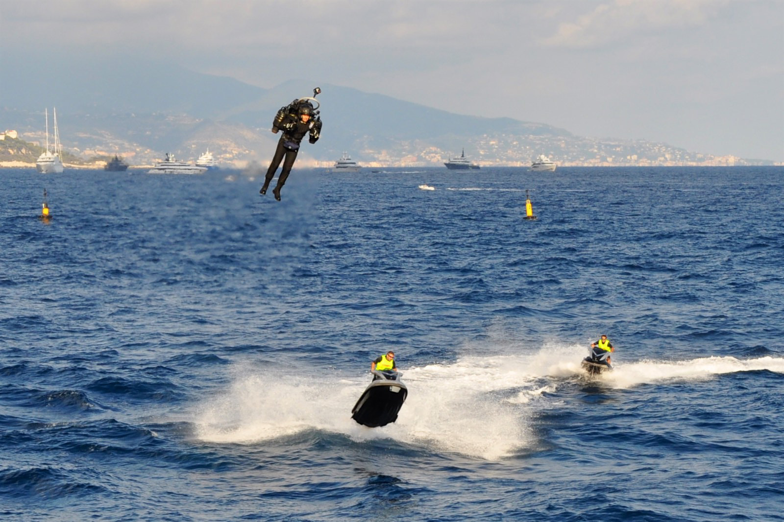Mayman flew over jet skis in Monaco in 2016, and noted that the JB-10, if allowed to reach its maximum potential speed, could easily outpace nearly all watercraft at 100 mph or more.