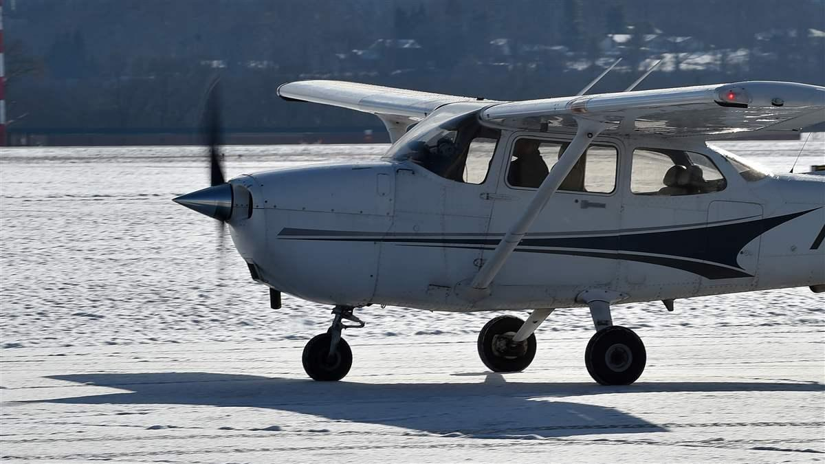 Winter flying presents special challenges in the air and on the ground. Photo by David Tulis.