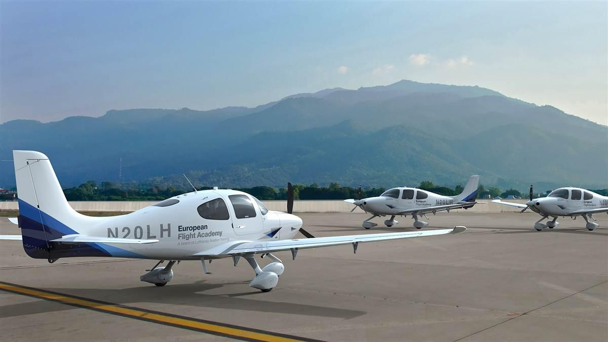 Lufthansa Aviation Training selected Cirrus Aircraft's SR20 to lead its Goodyear, Arizona, airline pilot flight training program. Photo courtesy of Cirrus Aircraft.