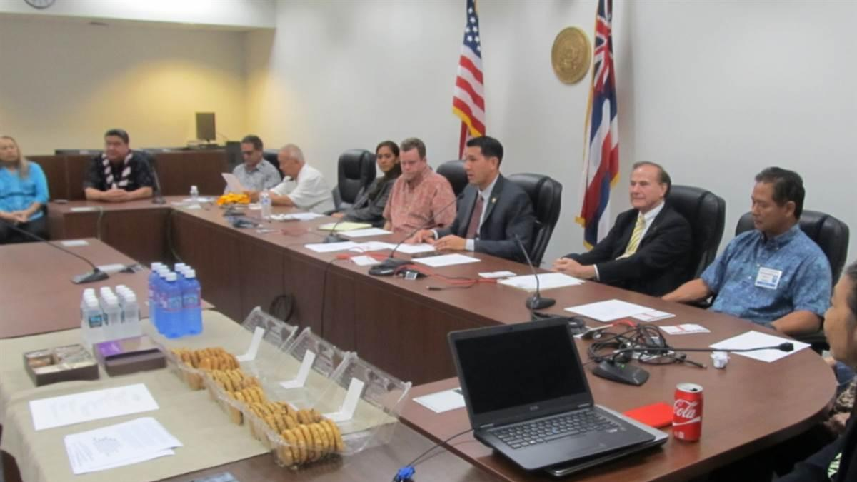 The first meeting of Hawaii's Aviation Caucus drew a dozen lawmakers and two dozen members of the state aviation community. Photo by Melissa McCaffrey.
