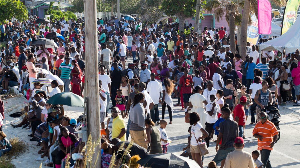 A thousand people or more took in the Grand Bahama Air Show on Taino Beach, Grand Bahama Island, Bahamas, May 20. Jim Moore photo.