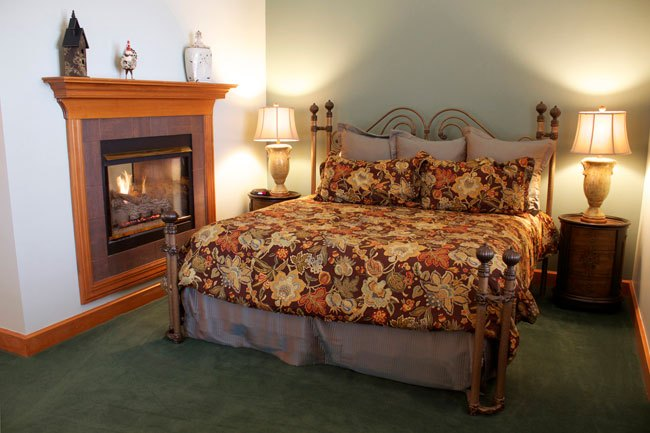 A master king suite at Chateau De Pere. King suites feature a single whirlpool bath with shower. All guests enjoy a complimentary breakfast. Photo courtesy Chateau de Pere.