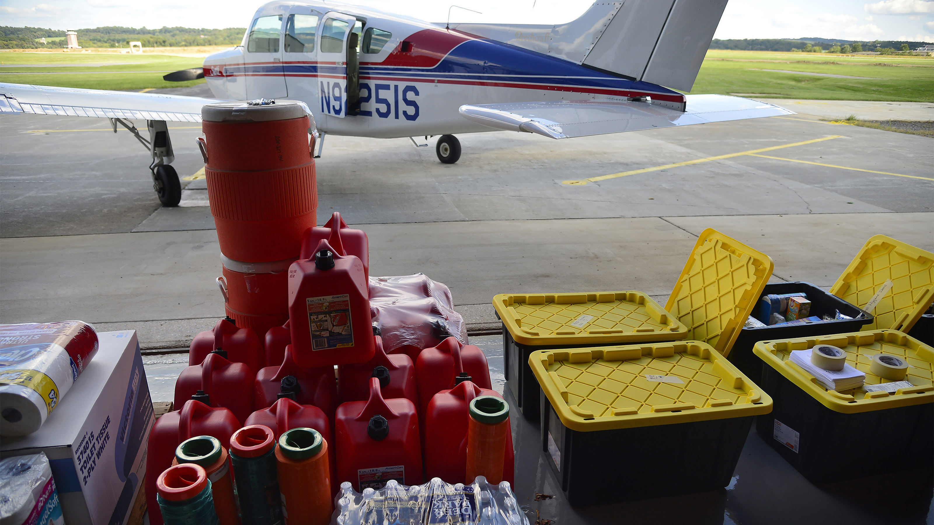 AOPA participated in relief donations for Hurricane Harvey and Hurricane Irma, two devastating late-summer storms that swept through Texas, Louisiana, and Florida. The National Aviation Community Center in Frederick, Maryland, was the local staging point for supplies headed toward the hard-hit states. Photo by David Tulis.