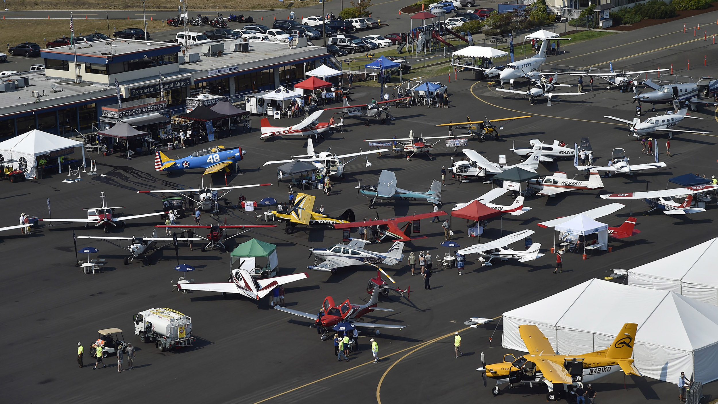 AOPA Fly-Ins feature a static display. Photo by David Tulis.