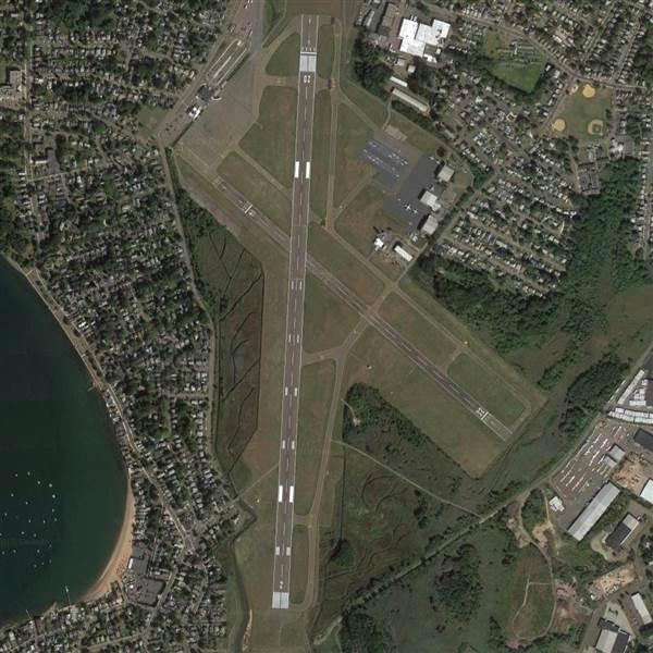 View of the main and crosswind runway at Tweed-New Haven Airport in Connecticut. Image courtesy of Google.