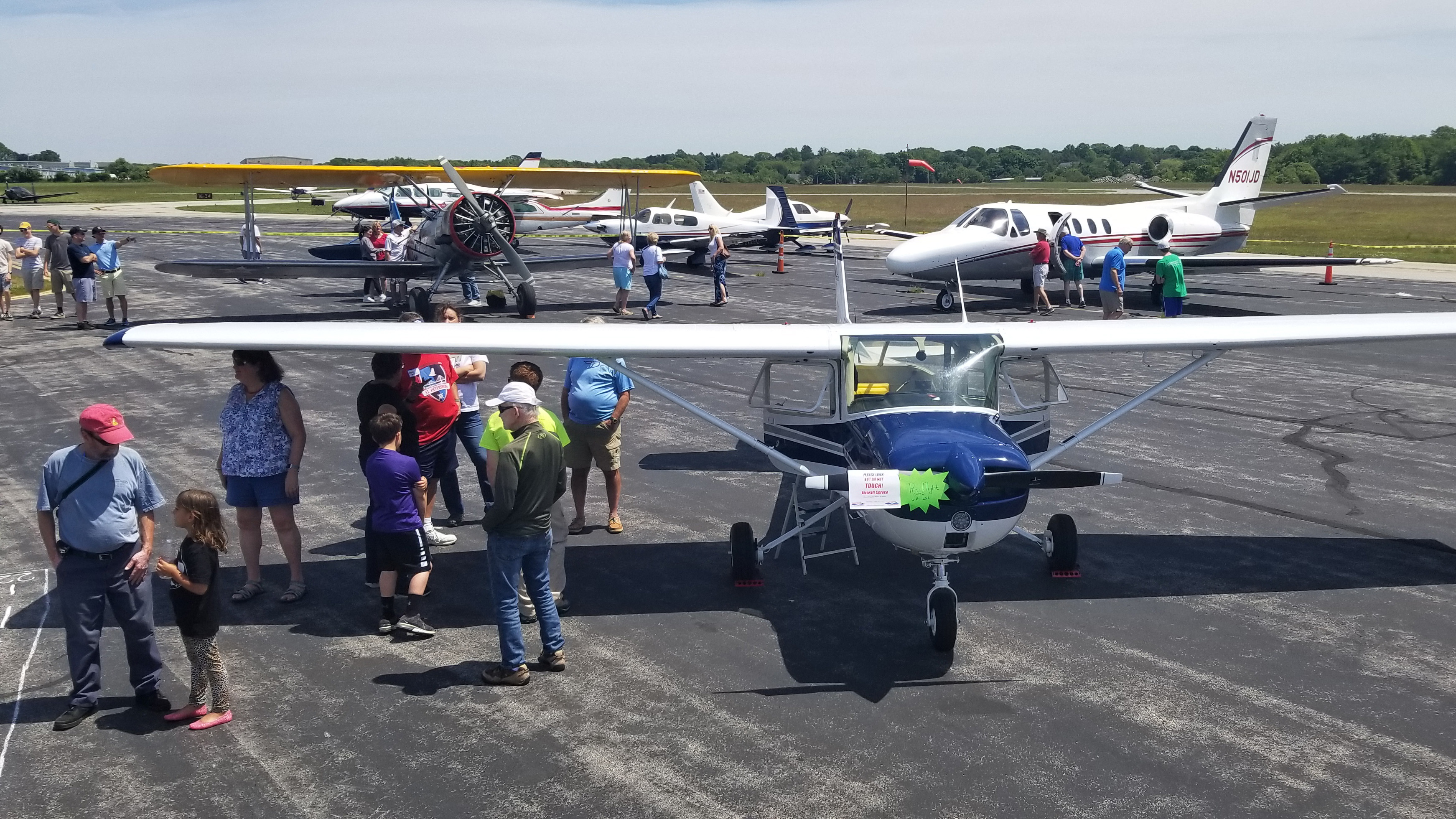 AOPA joined Newport State Airport officials, business owners, and volunteers in welcoming residents of Newport, Rhode Island, to see what their airport has to offer. Graeme Smith photo.