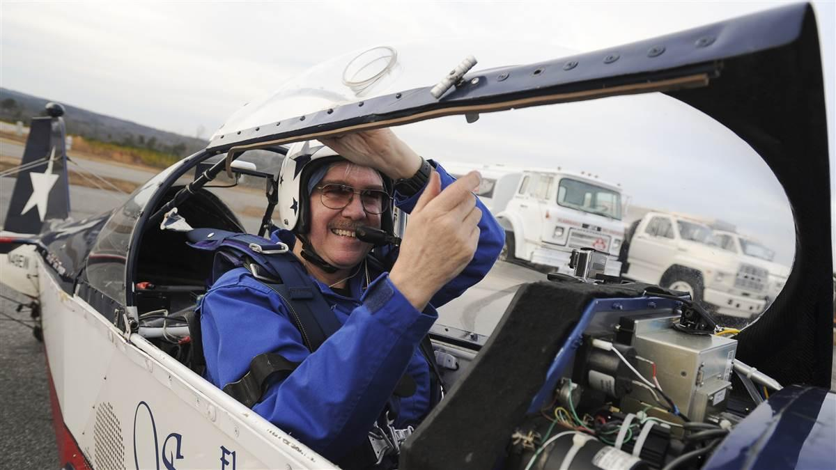'Starjammer' pilot Elgin Wells closes the canopy prior to a flight at Georgia's Cherokee County Airport in this 2014 file photo. Photo courtesy of the Gwinnett Daily Post.
