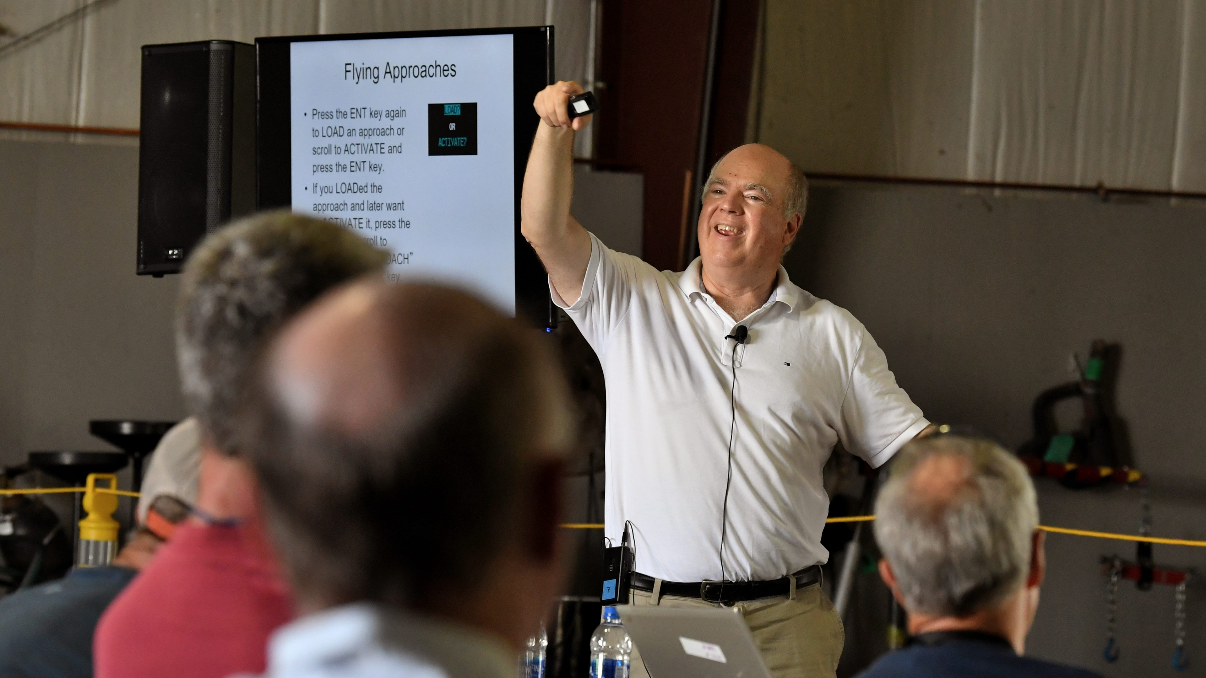 Max Trescott, a professional aviation educator and the 2008 National CFI of the Year, shares tips for advanced IFR flying during a workshop at AOPA's 2018 Carbondale Fly-In. Photo by Mike Collins.