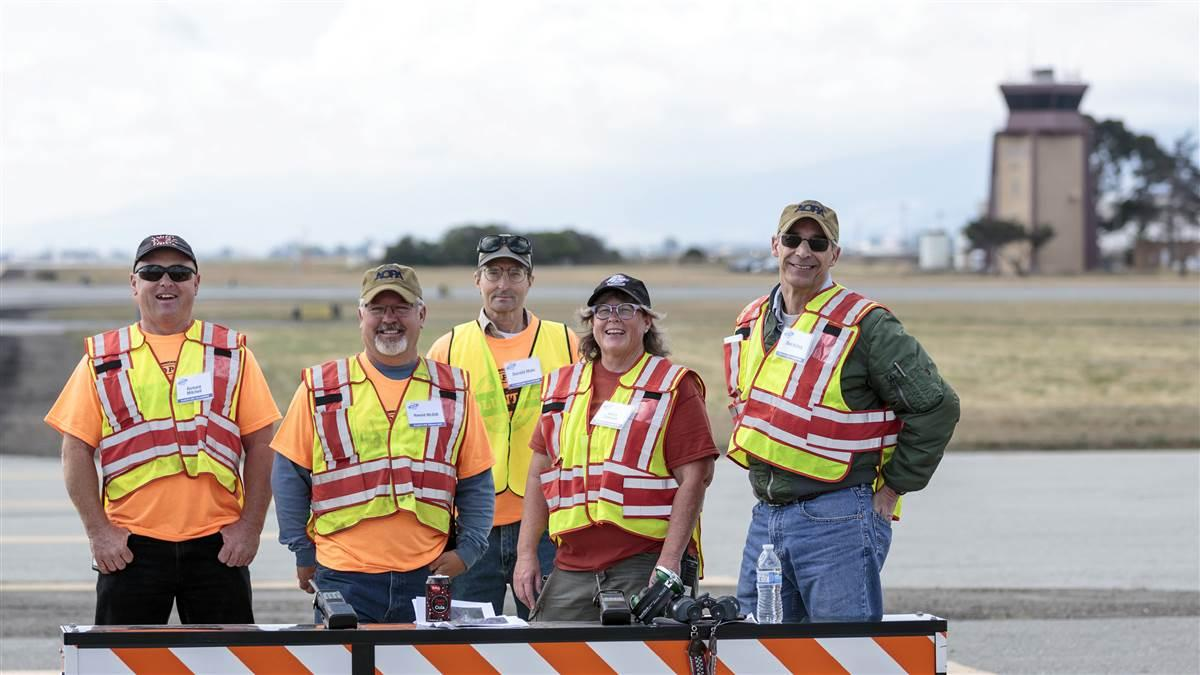 Volunteering at an AOPA fly-in is a chance to not only connect with AOPA but also connect with fellow aviation enthusiasts. Photo by Mike Fizer.