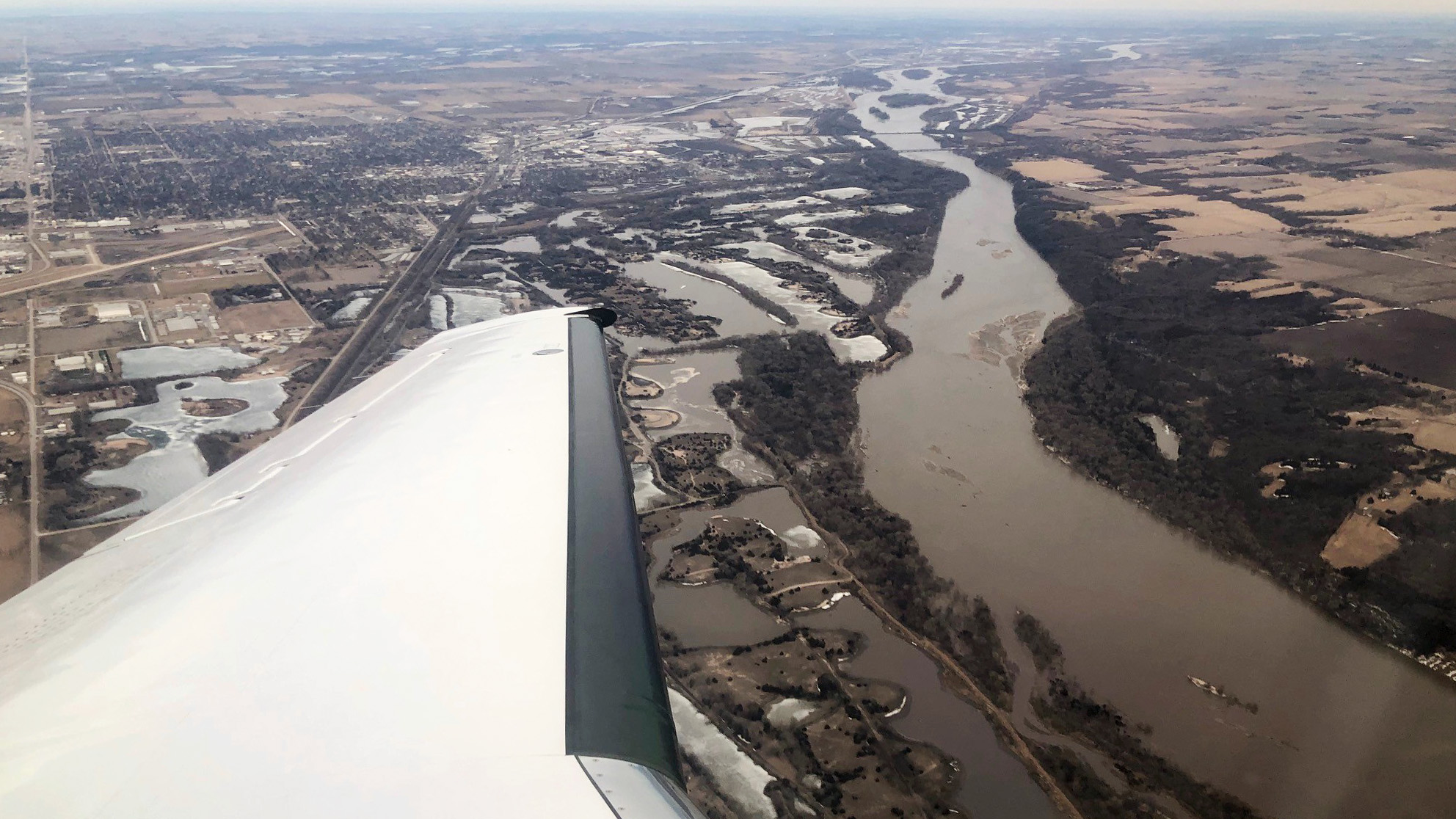 GA pilots fly for Midwest flood relief - AOPA