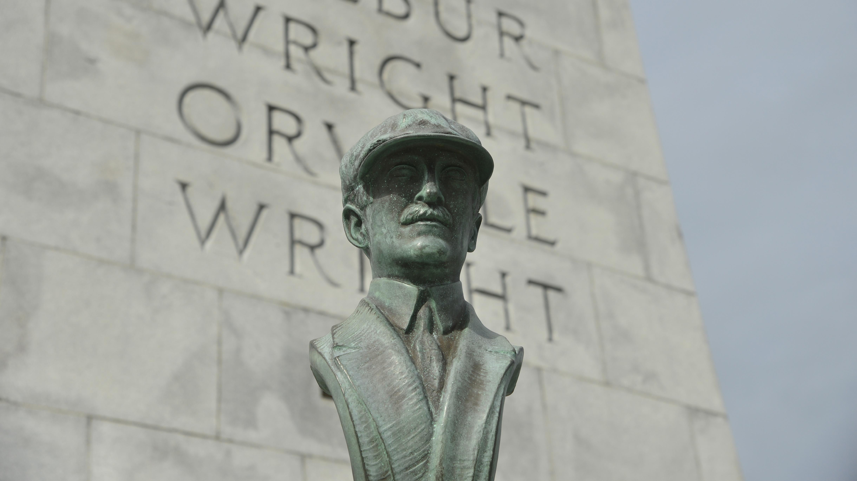 Wright bust swiped again