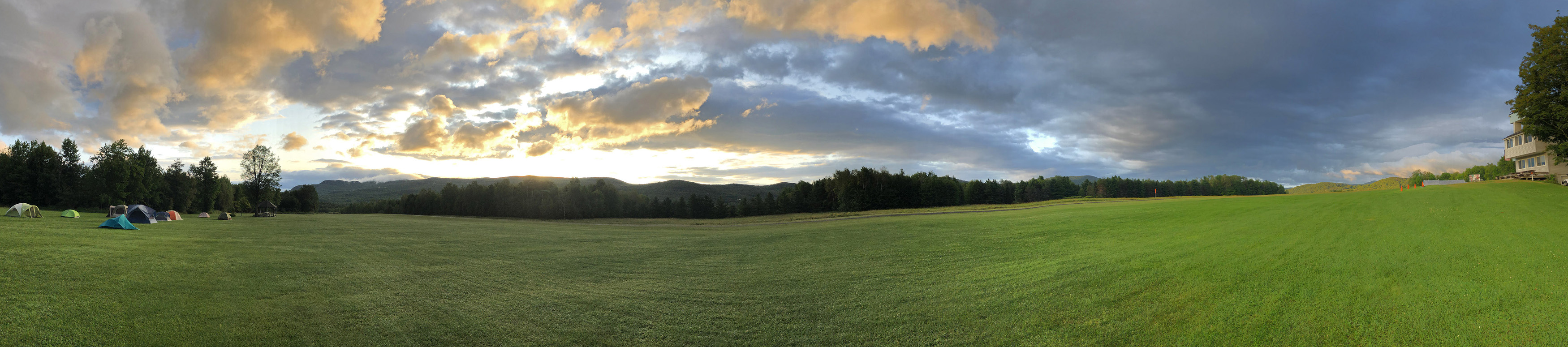 A splendid Vermont mountain panorama at Warren-Sugarbush Airport delighted soaring camper Lauren Tulis, who spent a week tent-camping in a park-like setting. Photo by Lauren Tulis.