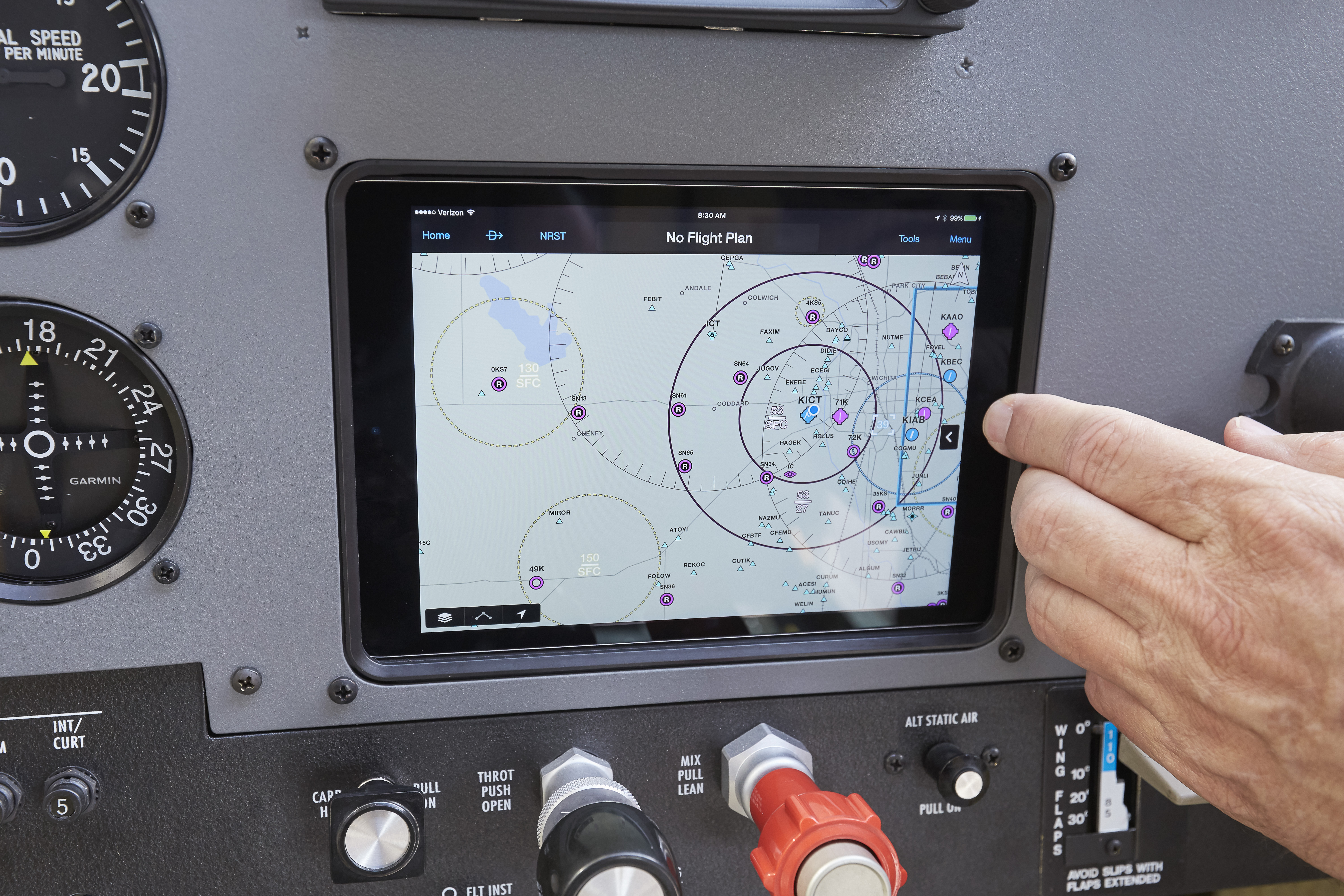 The Guardian Avionics iPad mount holds a tablet flush against the panel of AOPA