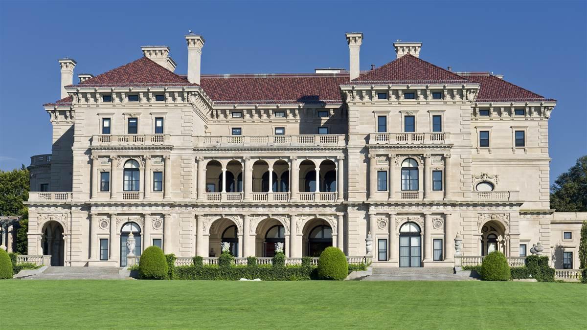The Breakers, One Of The Famous Mansions Along Newport, Rhode Islandu0027s  Coastline.
