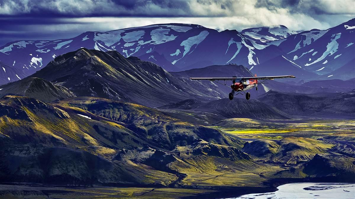 Flying Iceland's glaciers and volcanoes
