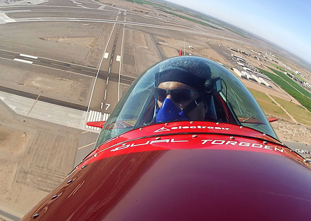Spencer Suderman takes off from Yuma, Arizona, in his Sunbird S-1x March 20. Photo courtesy of Spencer Suderman.