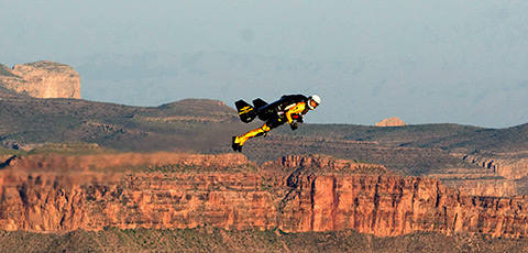 Jetman completes Grand Canyon overflight