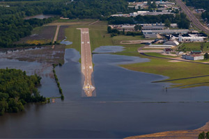 Mississippi airport flooding