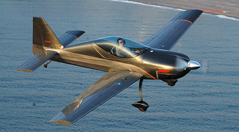Snap single-seat LSA for aerobatics