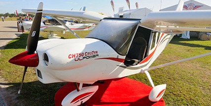 Conventional tires and wheel pants distinguish the CH 750 Cruzer from its STOL predecessors.