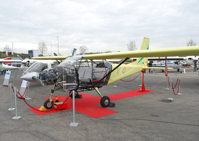 Vulcanair displayed a production V1.0 at Aero Friedrichshafen in Germany. The display aircraft is outfitted with a transparent plexiglass cover so attendees can see the aircraft structure and components. Photo courtesy Vulcanair.