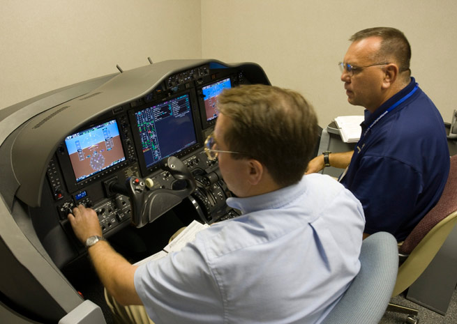 AOPA opposes new FAA sim policy that cuts loggable hours.