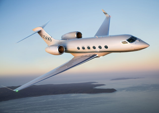 The G500 will be a Mach 0.90, 5,000-nautical-mile (at Mach 0.85), up to 18-passenger design. First flight is set for 2015. Image by Paul Bowen, Bowen@AirToAir.net.