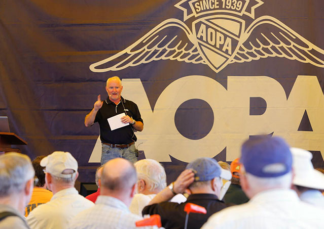 AOPA President Mark Baker updates members on the association's initiatives during Sun 'n Fun.