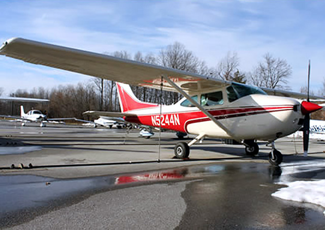 Congressional Flying Club members can check out the club's Cessna 182Q Skylane for $138 per tach hour. Photo courtesy of the Congressional Flying Club.