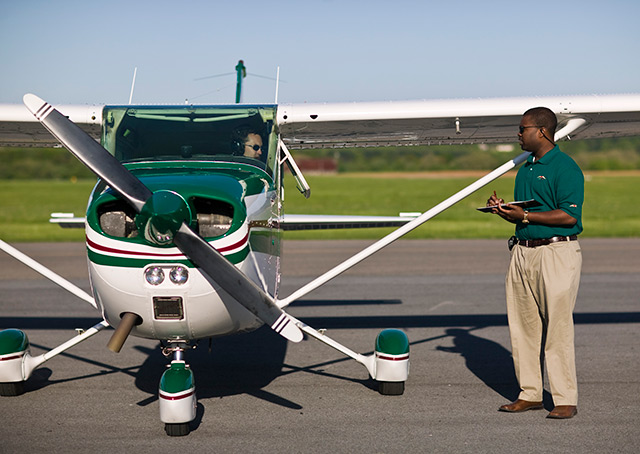 AOPA announces the 2015 Flight Training Excellence Award winners.