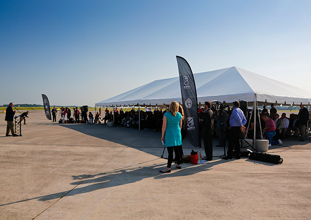 Cirrus representatives stressed that great weather was a factor in their decision to choose Knoxville, and it was on display at the announcement.
