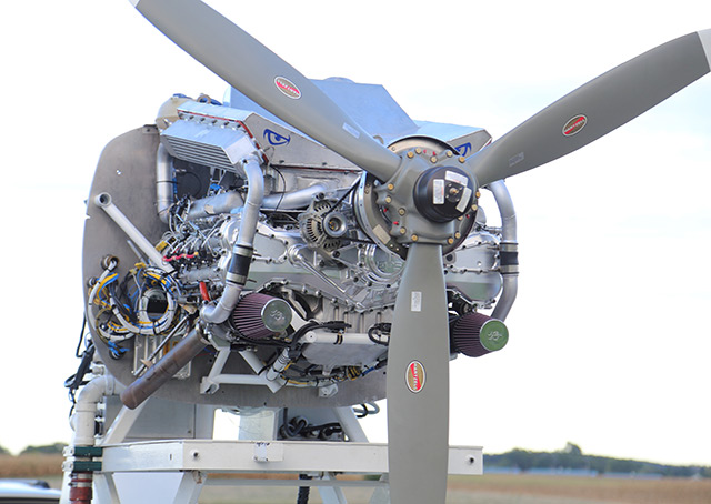 Engineered Propulsion Systems started a new Graflight V-8 engine